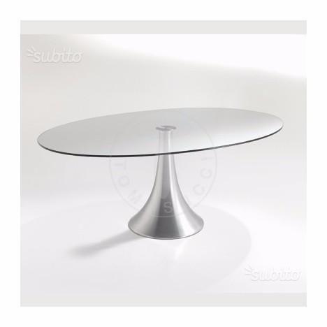 Tavolo ovale vetro sedie policarbonato tavolo arredamento cake - Tavolo riunioni ovale vetro ...