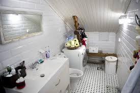 Kuvahaun tulos haulle kylpyhuone kattoikkuna