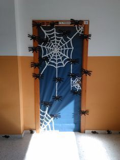 Halloween Classroom Decorations #halloweenclassroomdoor