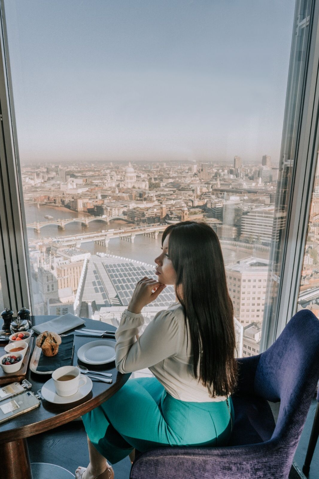 5 Top London Skybars For A Romantic Valentine S Aqua Shard Bokan Aviary Rooftop Jin Bo Law Savage Garden Lond London City View London Attractions London