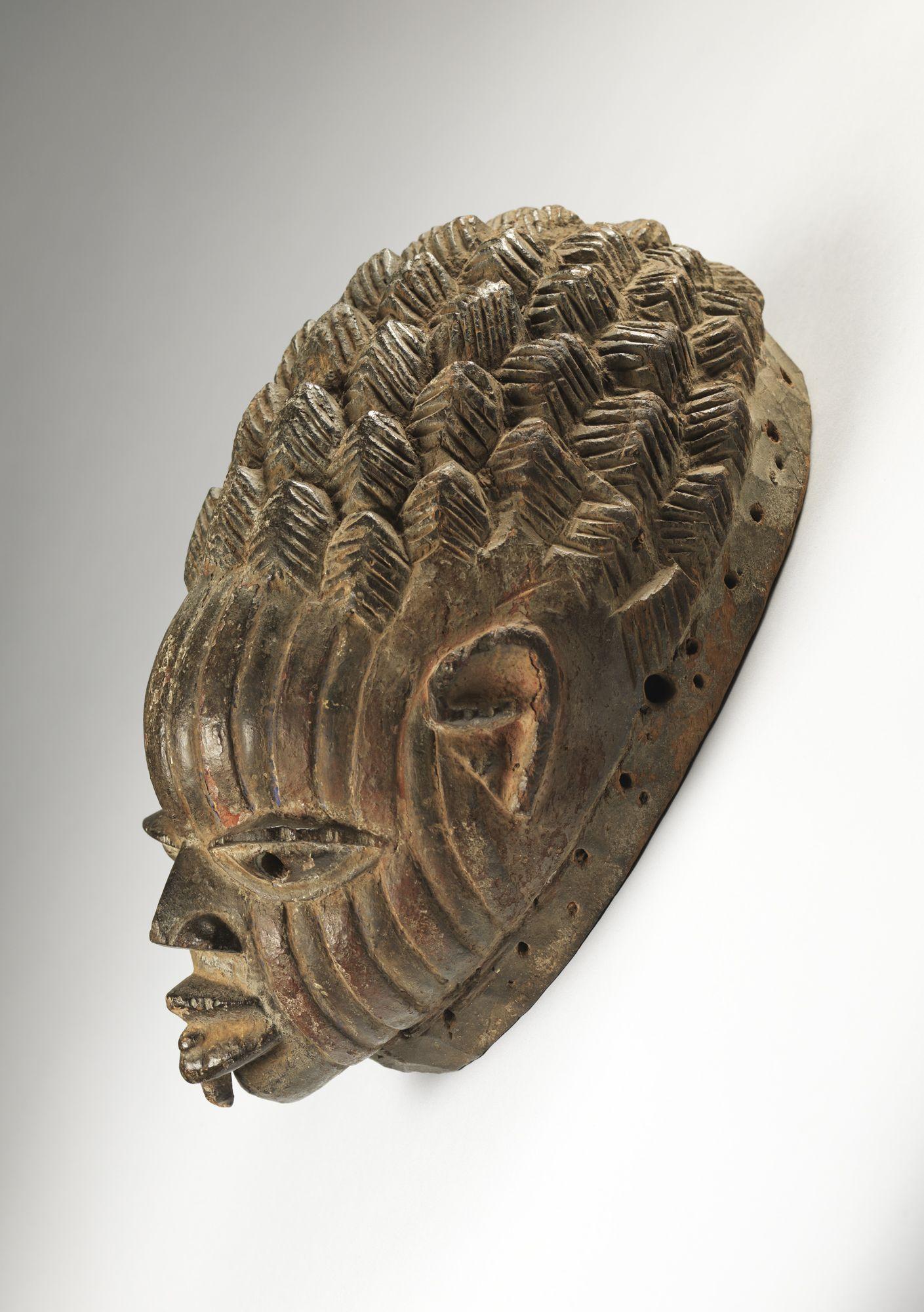 Yorùbá artist  Gelede headdress, 19th century  Wood and pigment