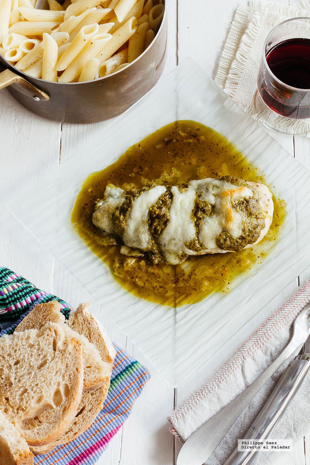 Pechugas de pollo con pesto y mozzarella. Receta fácil para la temporada de fiestas con fotografías del paso a paso y recomendaciones de cómo hacerlas. Recet...
