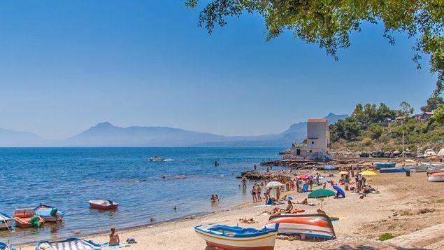 Geheimtipp - der Dorf-Strand von Sant'Elia