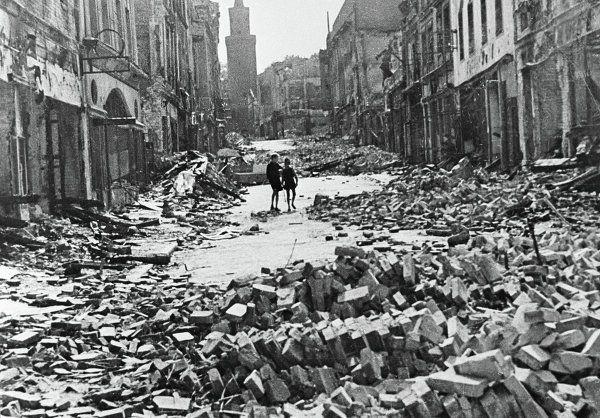 Bildresultat för berlin 1945
