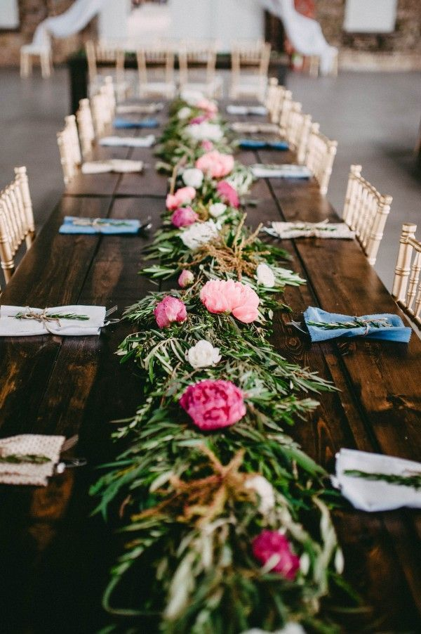 Gorgeous Table Garland | Image By Amanda Marie Studio