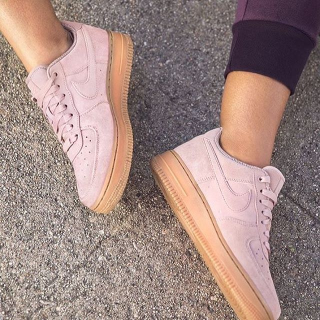 Nike Air Force 1 '07 Trainers In Particle Pink Suede With
