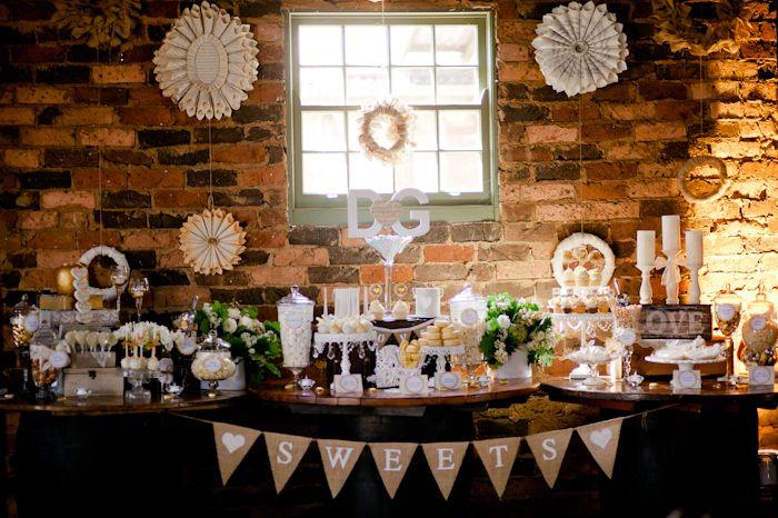 Rustic Wedding Guest Dessert Feature