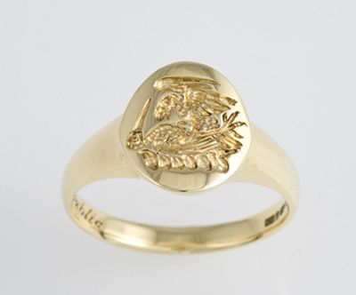 Signet ring, hand carved family crest in 18 carat yellow, Graham family crest
