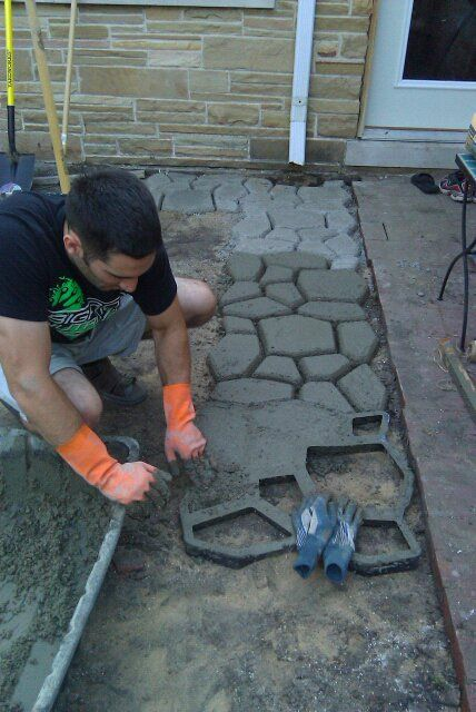 Has Video Tutorial On How To Make Concrete Pavers With