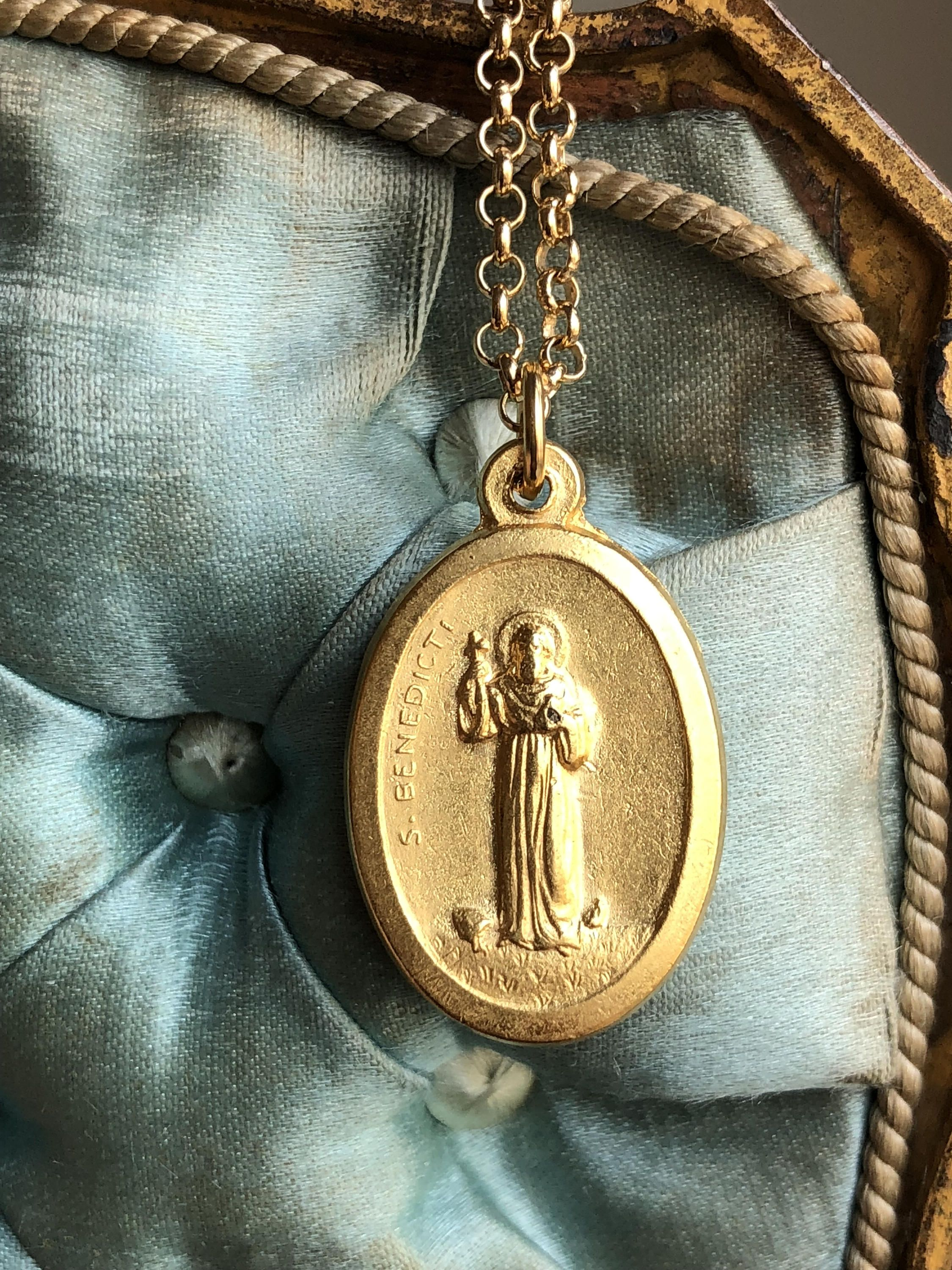 medal benedict pin prayer st with cards and card pvc pouch medallion