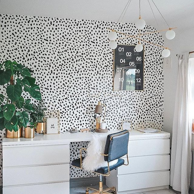 Pin By Blush And Camo On Style For The Home In 2019 Gold Wallpaper Living Room Home Office
