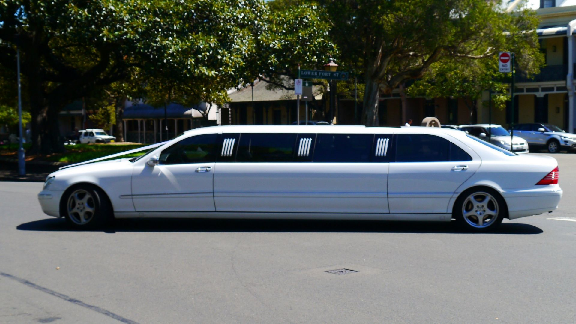 Airport Limousine Service Our Fleet Best Airport Limo