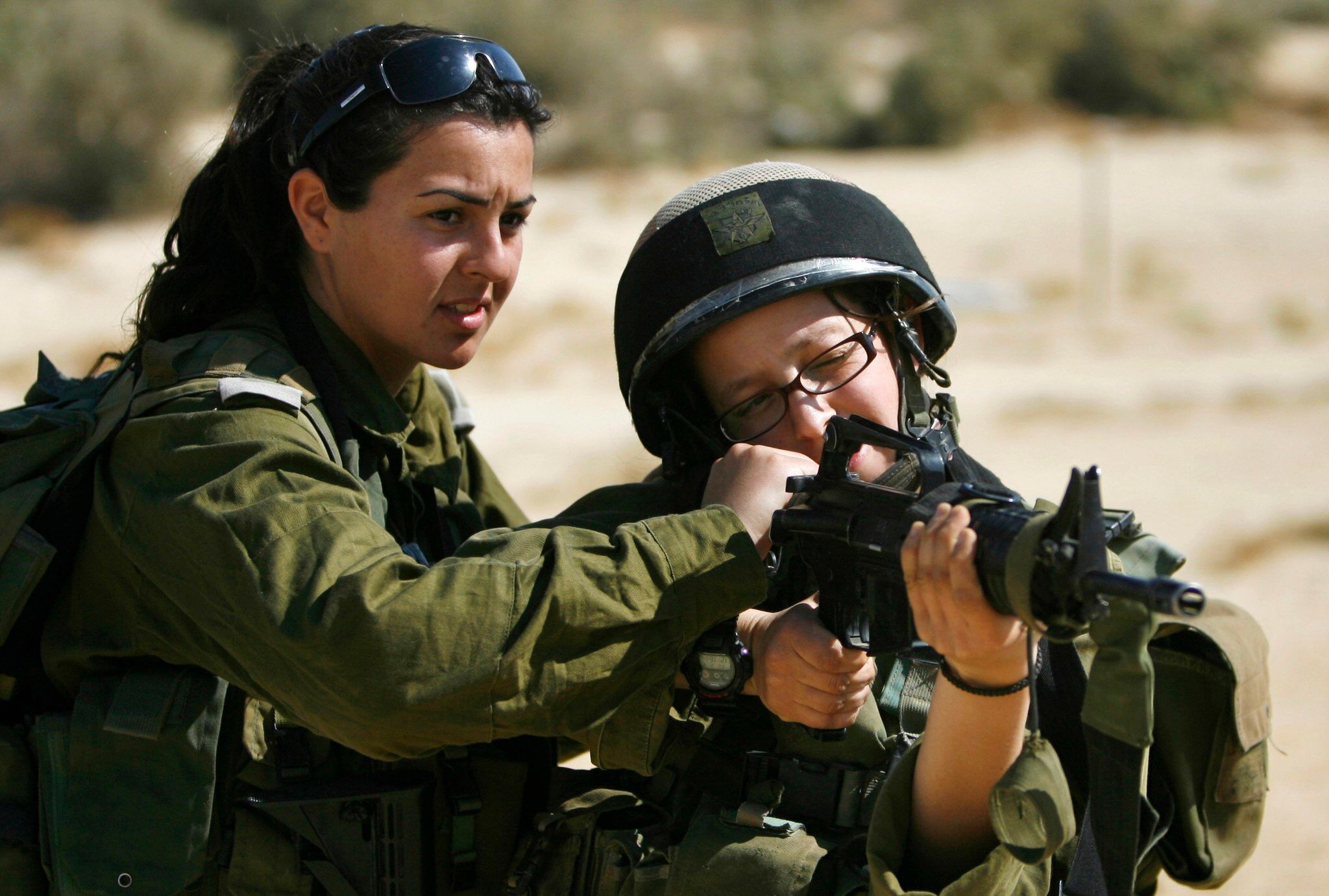 Женщина солдат секс