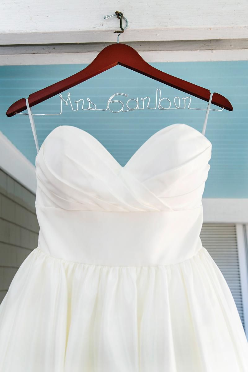 Enchanting Wedding Gown Hangers Crest - All Wedding Dresses ...