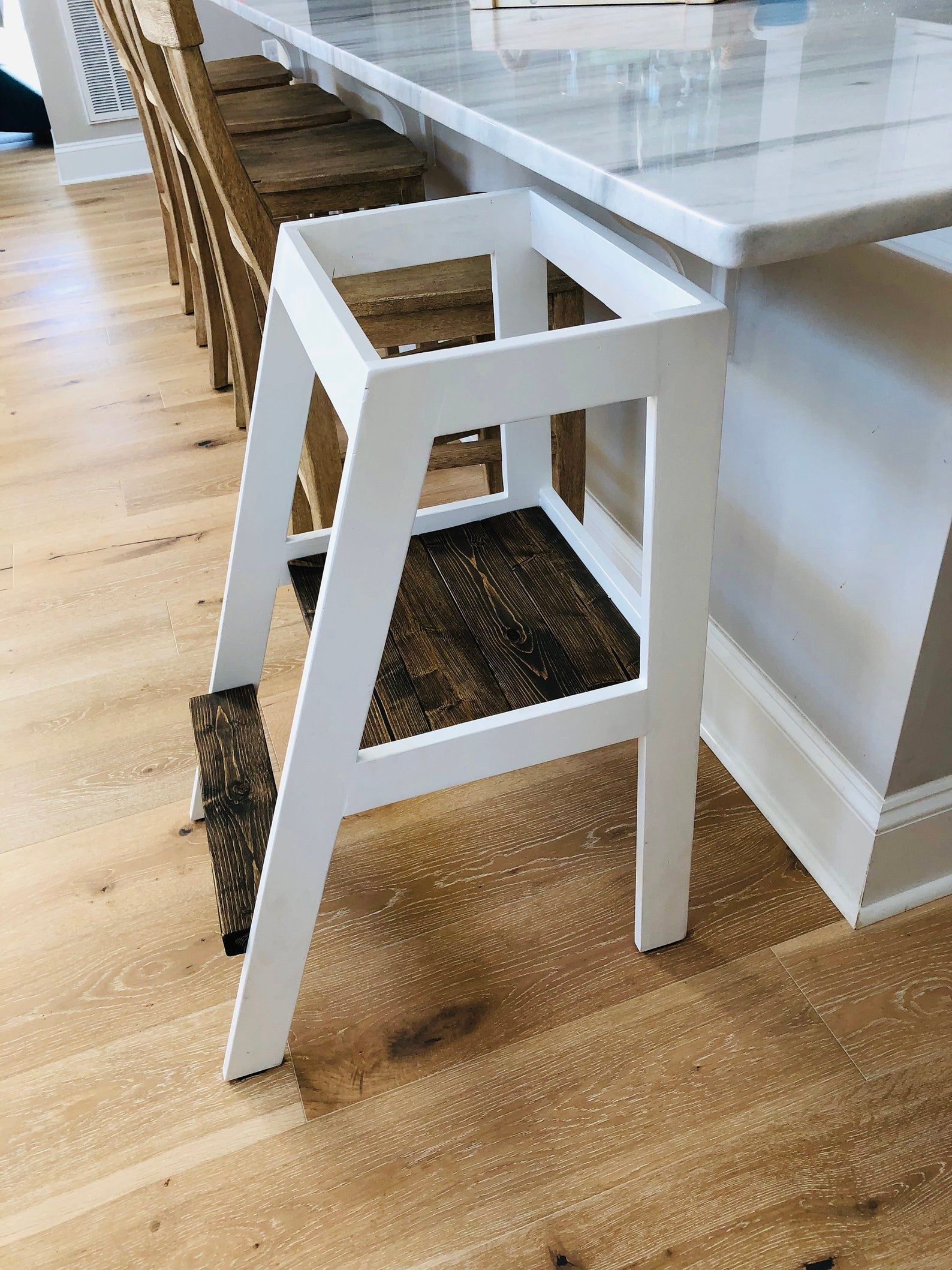 Mommy Helper Stool, Kitchen helper tower, Kitchen stool