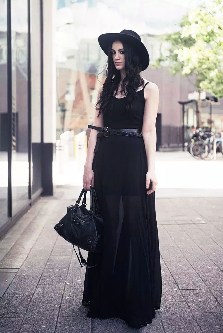 Pastel Grunge And Goth Are Perfect For Summer Summer Goth Fashion Gothic Fashion Fashion [ 1100 x 736 Pixel ]