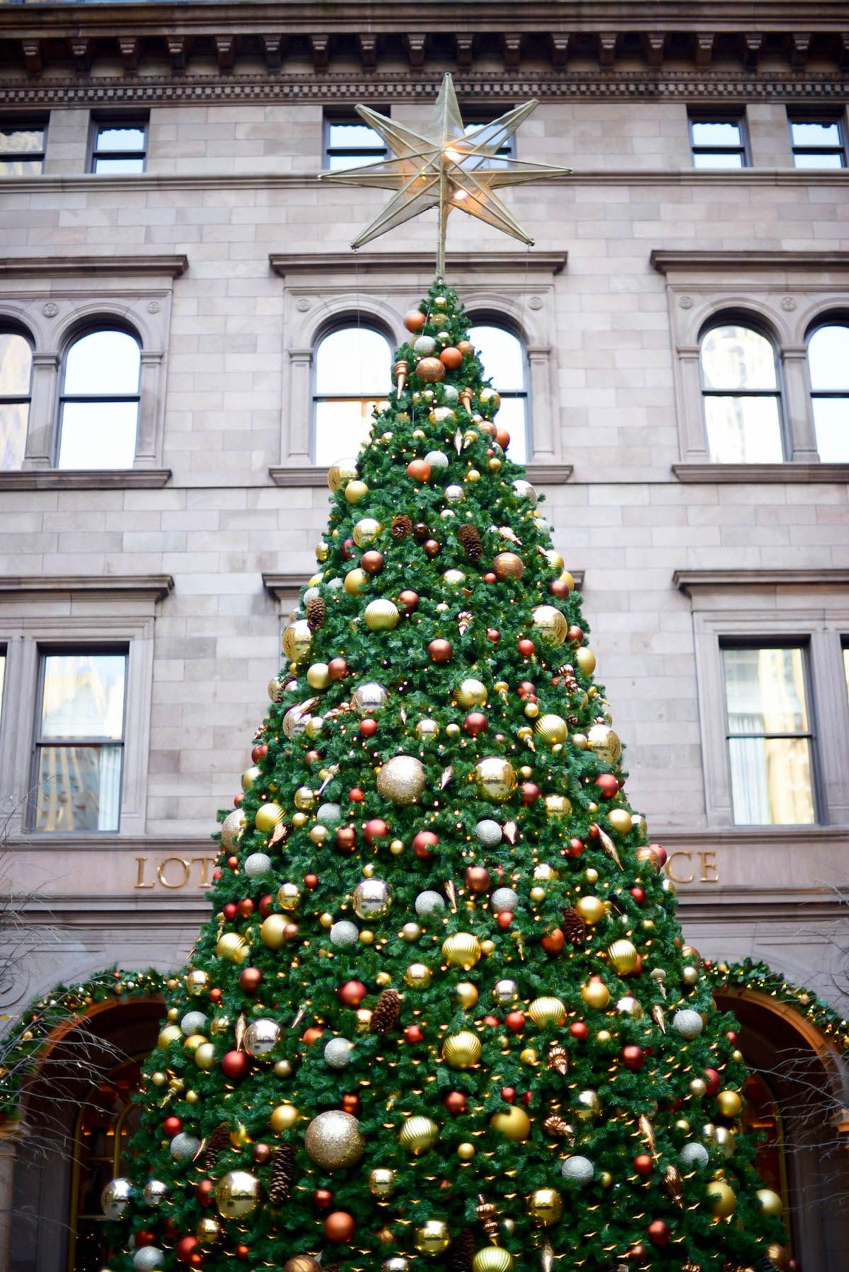 Lotte New York Palace Hotel Christmas Tree | New York City Holiday ...