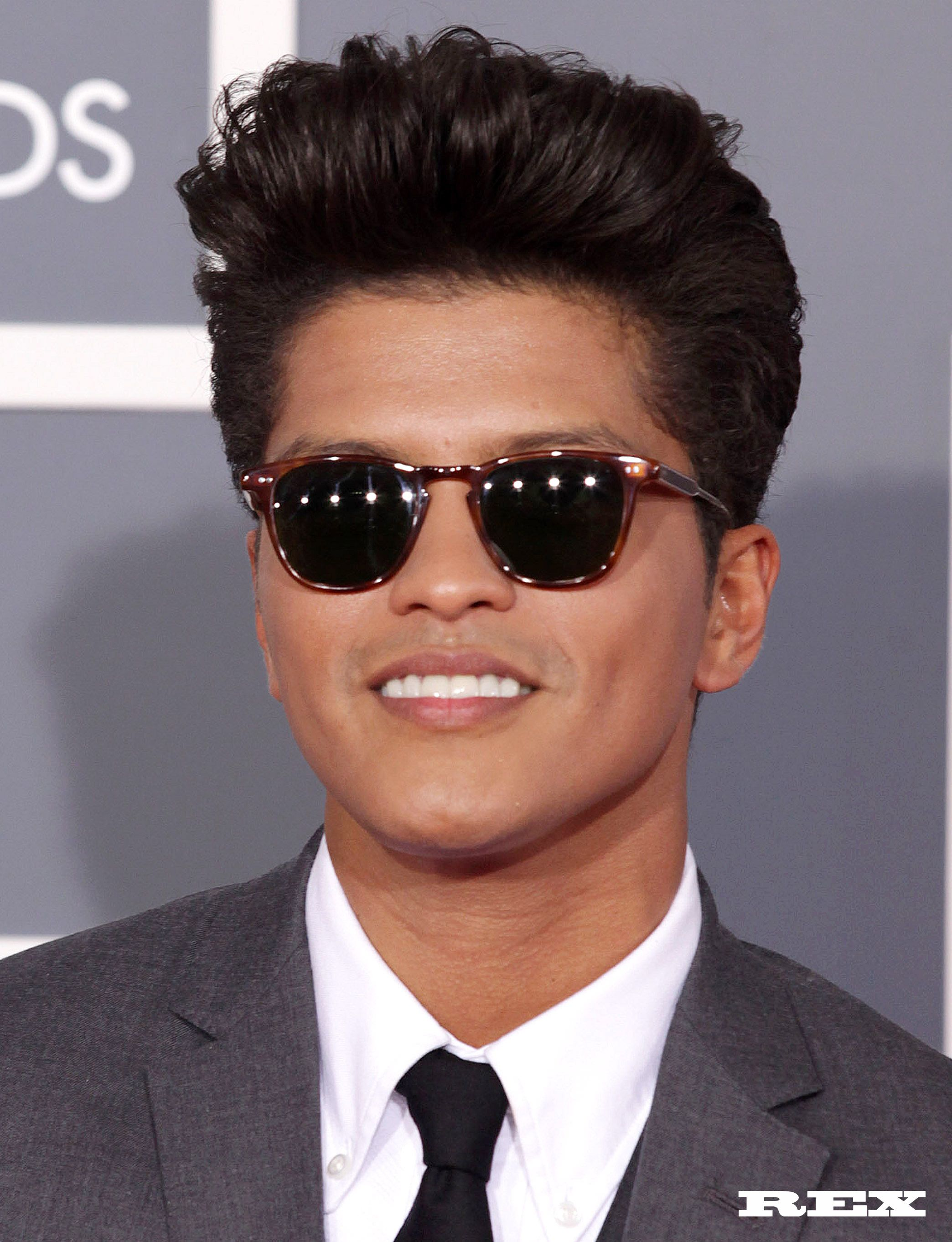 Bouffant 50 s quiff from Bruno Mars at the Grammys This look is