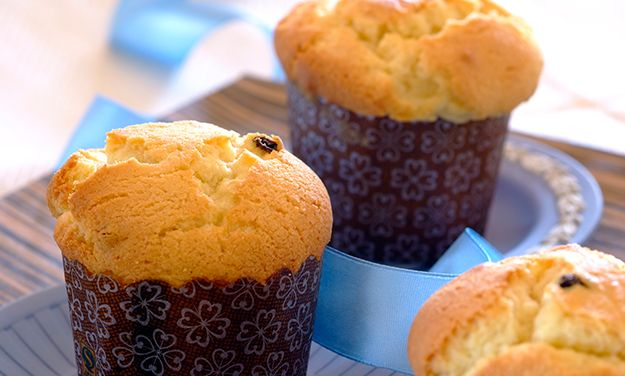 Give Your Next Tea Party The Royal Treatment With These Simple And Delicious Queen Cakes