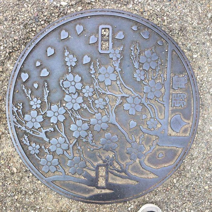Les incroyables plaques dégouts japonaises