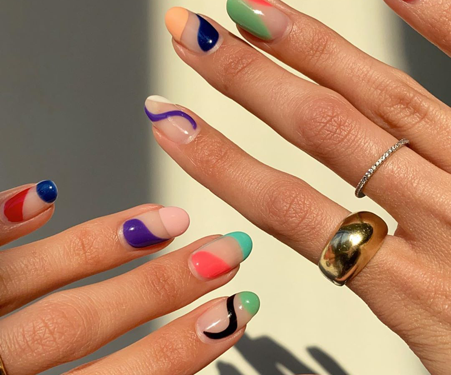 Abstract Nails Are The New Trend Taking Over Instagram And Kylie Jenner Is Officially A Fan In 2020 Hard Nails Nails Pointy Nails