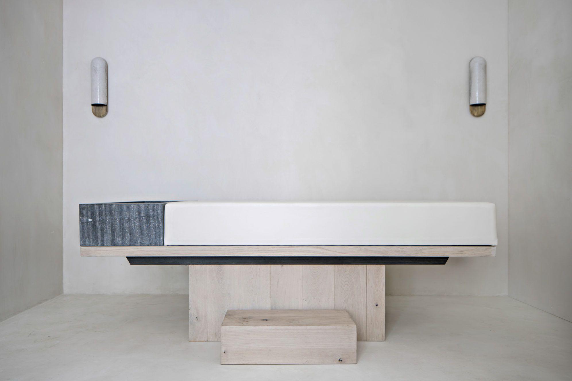 Emmanuelle Simon Architecte D Interieur Et Designer Paris Interior Home Appliances Massage Room Design