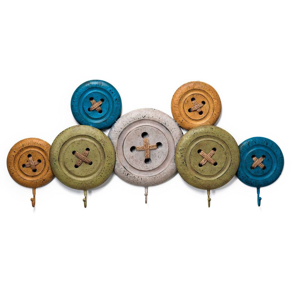 96924634ba26 Κρεμάστρα από μεταλλικά στοιχεία που έχουν καλουπωθεί για να μοιάζουν με  κουμπιά. Διαθέτουν και το ράψιμο. Επτά κουμπιά σε διαφορετικά παλ, shabby  χρώματα ...