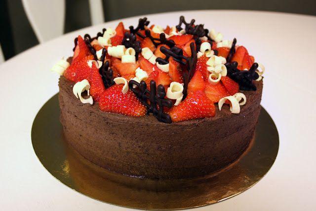 chokladtårta med moussefyllning