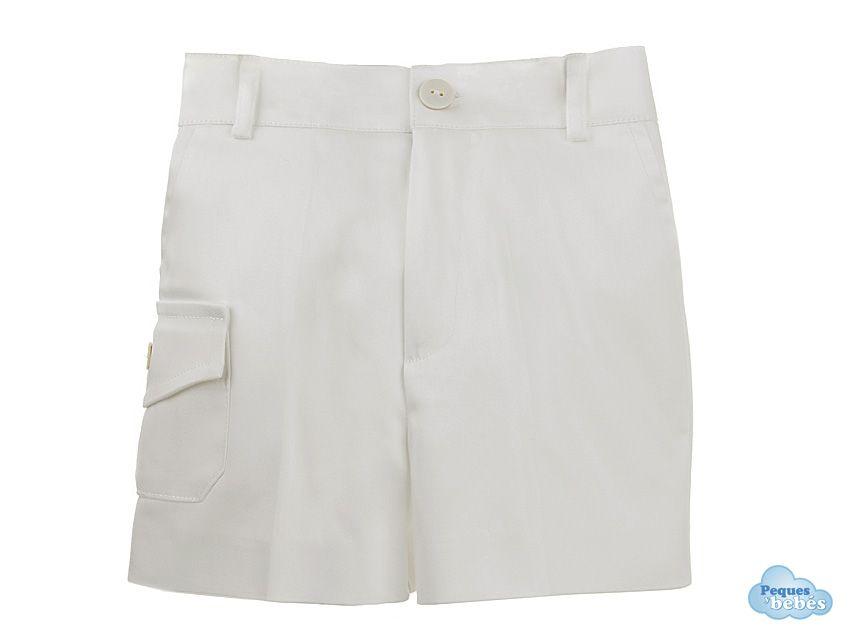 Pantalón corto de niño de verano de color blanco con un bolsillo con ...