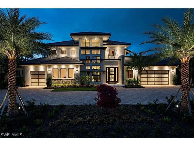 595 Bowline Naples Fl 34103 Naples Modern Contemporary Homes For Sale In The Moorings Luxury Homes Luxury House Plans Custom Home Plans