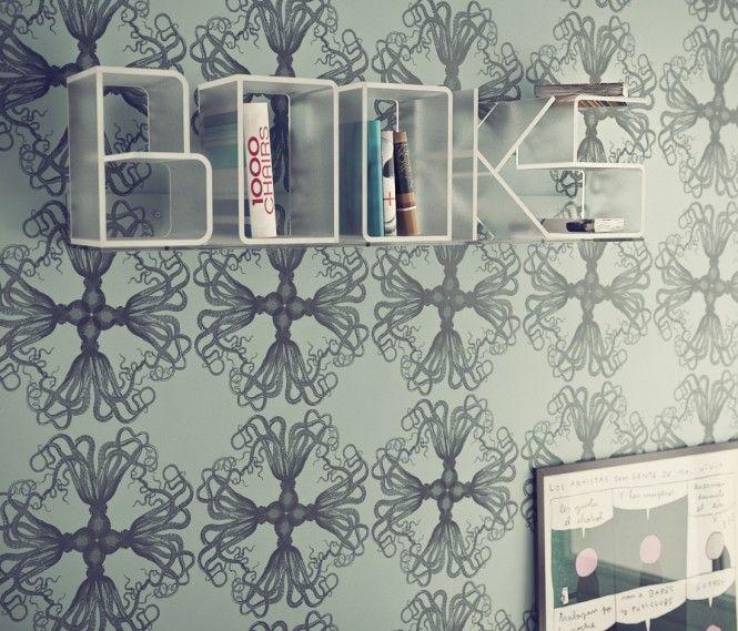 Customizable letter bookshelf