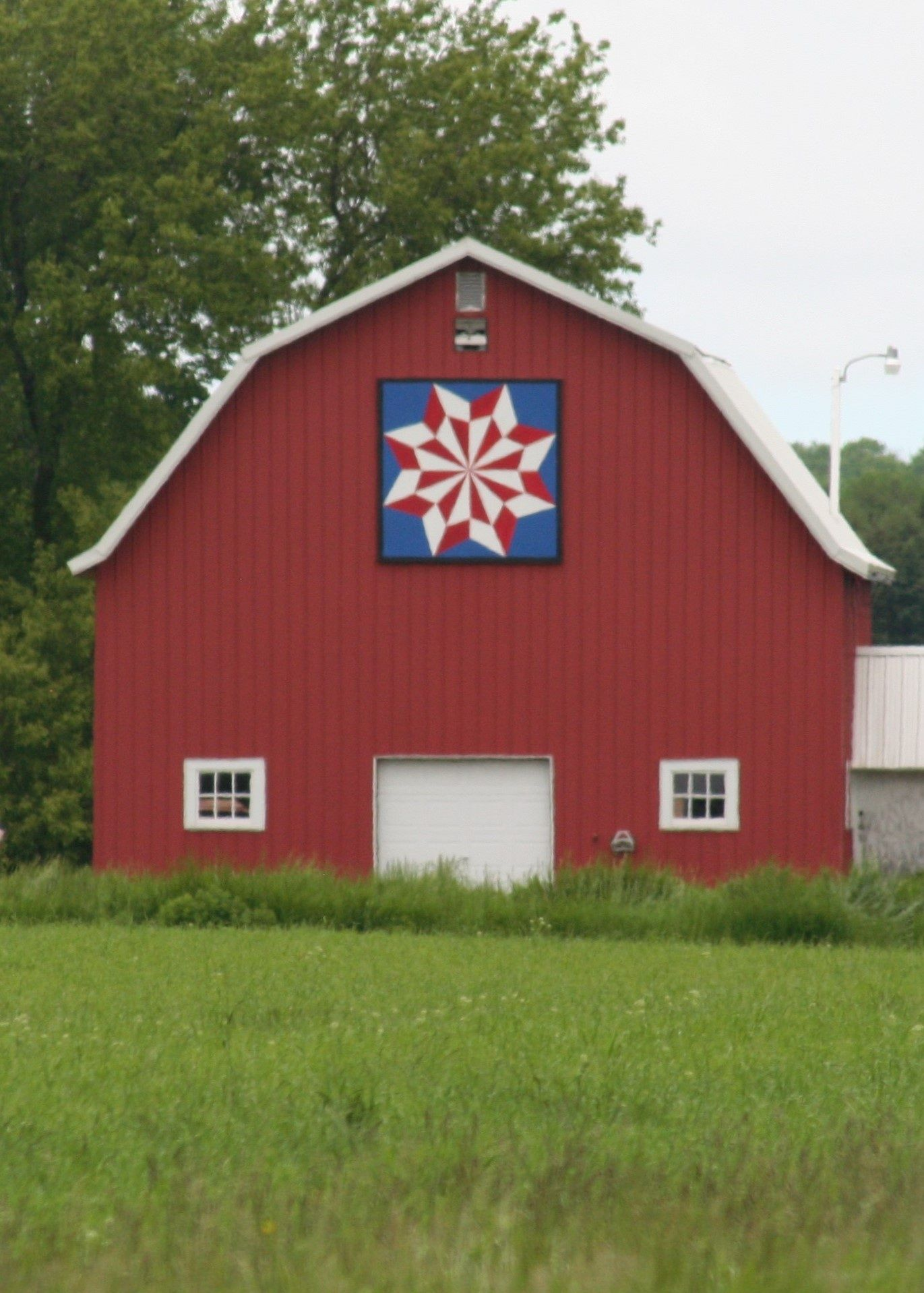 North Star Variation Quilt Barn Door County Wisconsin Barn Quilt Barn Quilts Barn Quilt Designs House Styles