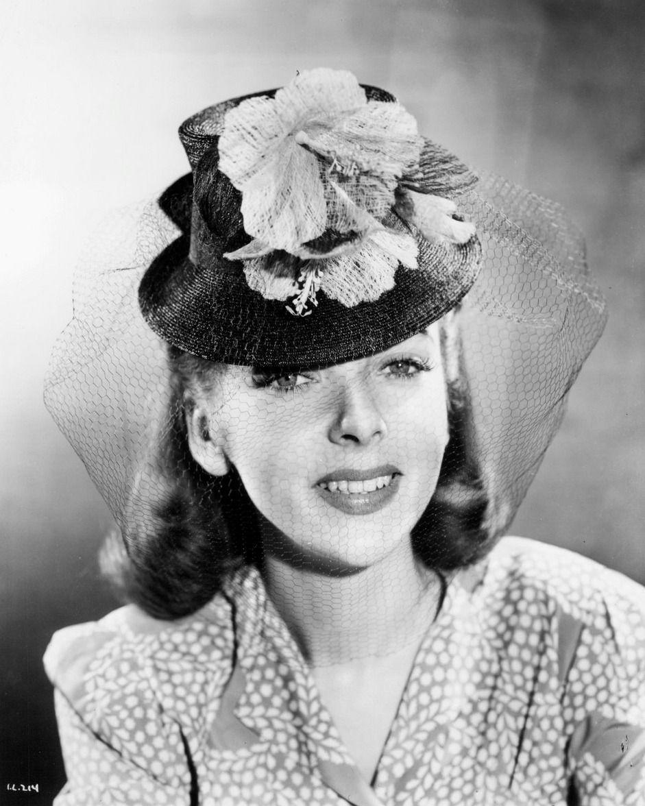 CLASSIC HOLLYWOOD GLAM — theclutteredclassicattic: Ida Lupino, 1940s |  Hollywood glam, Classic, Love hat