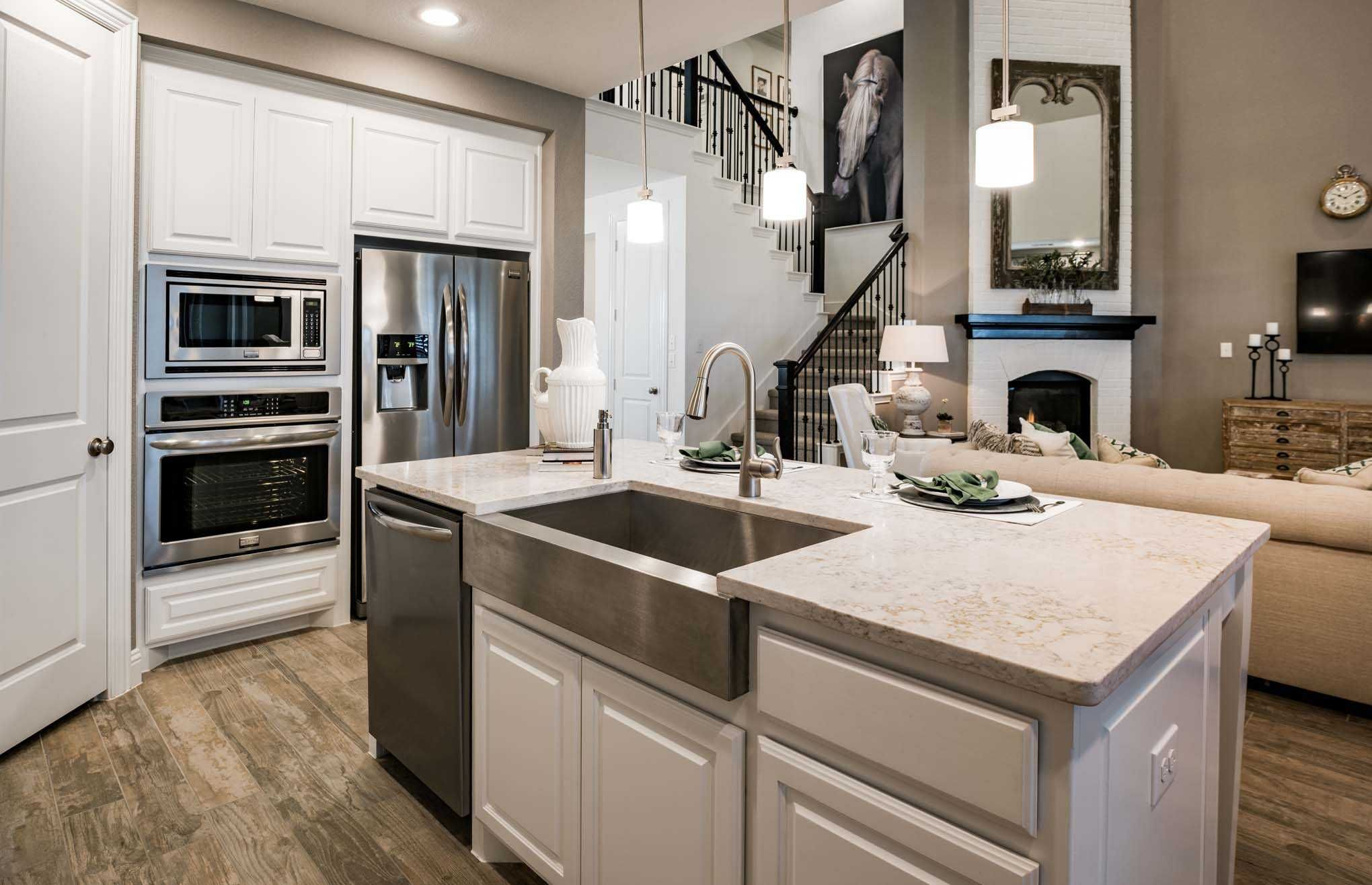 Highland Homes Plan 208 Model Home In Dallas Fort Worth Texas Star Trail 55s 65s Community Kitchen Kitchendesign New Homes