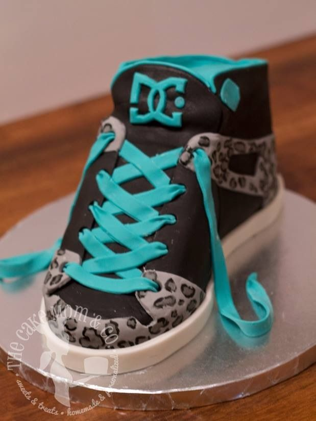 86db4478011a DC Shoe cake by The Cake Mom   Co.