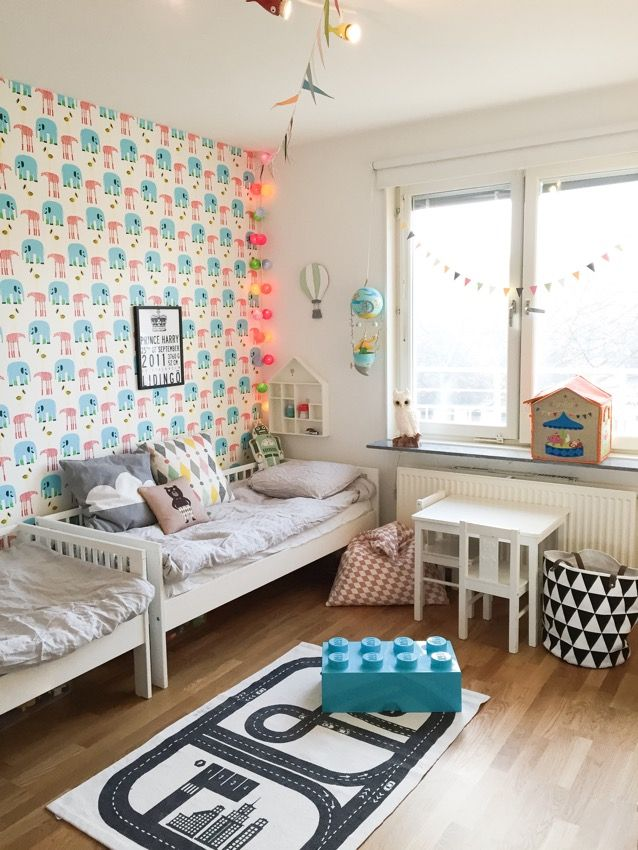 fint barnrum barnrum pinterest kinderzimmer kinder und wohnen. Black Bedroom Furniture Sets. Home Design Ideas