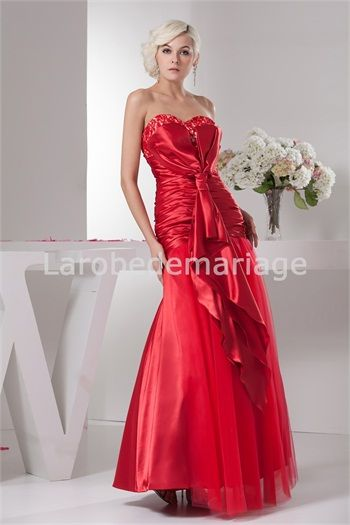 Photo belle robe rouge