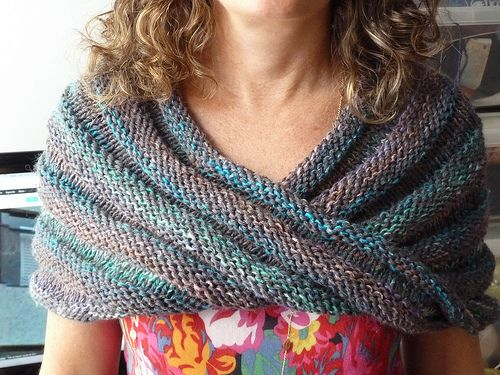 Ravelry: Easy Mobius Capelet pattern by Haley Waxberg | Maybe shawls ...