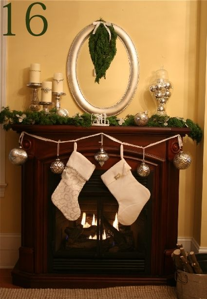 24 Christmas Mantel Ideas » Random Tuesdays Christmas Pinterest