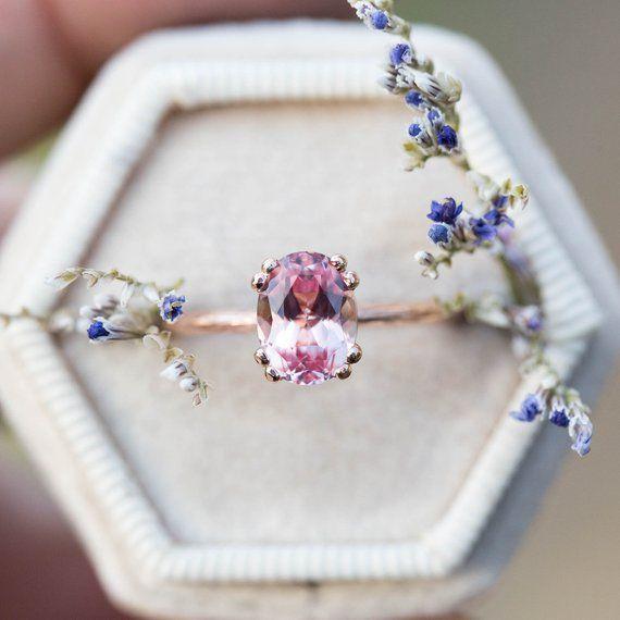 Anillo de compromiso de solitario de zafiro melocotón, anillo de compromiso de ramita, anillo grabado, anillo de zafiro rubor, anillo de fantasía, anillo de zafiro ovalado
