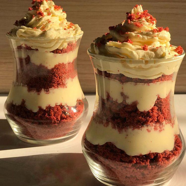 حلى كيك الرد فلفت Desserts Cheesecake Food