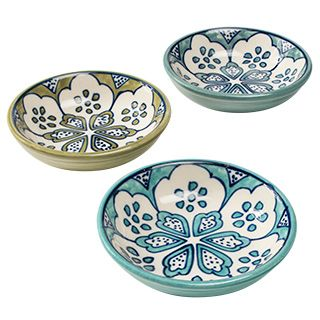 These subtly decorated crafts are hand painted and traditionally fired to produce a wonderful handmade appeal. The supplier is a family run business which has good working conditions including pension and health care provision for the workers. They are ISO 9001 certified. Matching items available.Fair trade. Hand made in India