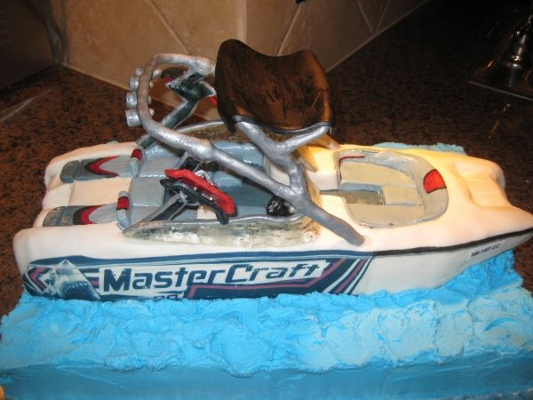 Speed Boat Cake With Images Boat Cake