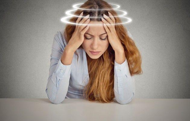 AJANKOHTAISTA. HYVINVOINTI. 4.4.2016 Päänsärkyähoidetaanusein parasetamolilla tai tulehduskipulääkkeillä, mutta särky saattaa lähteä myös luonnollisilla keinoilla.