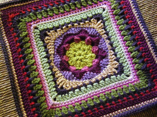 amazing square ~ free pattern | granny square sampler | Pinterest ...