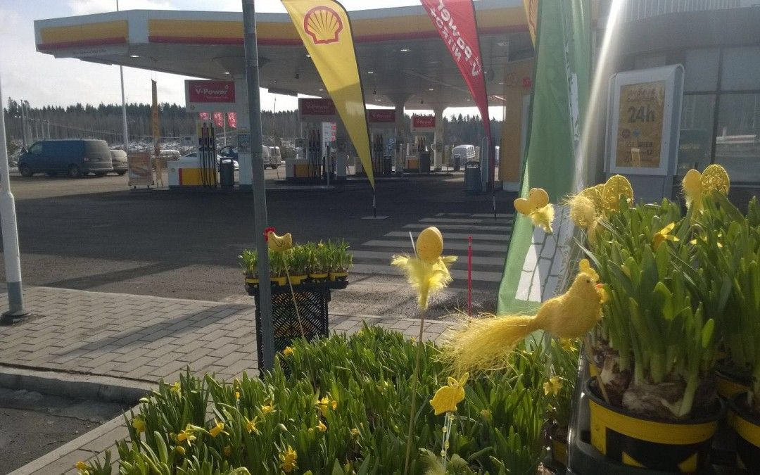 Kukkakauppias tänäänkin Mäntsälä Shell pohjoinen
