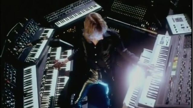 Eddie Jobson: Hands on Yamaha CS-80 and Hammond B3. Also pictured ...