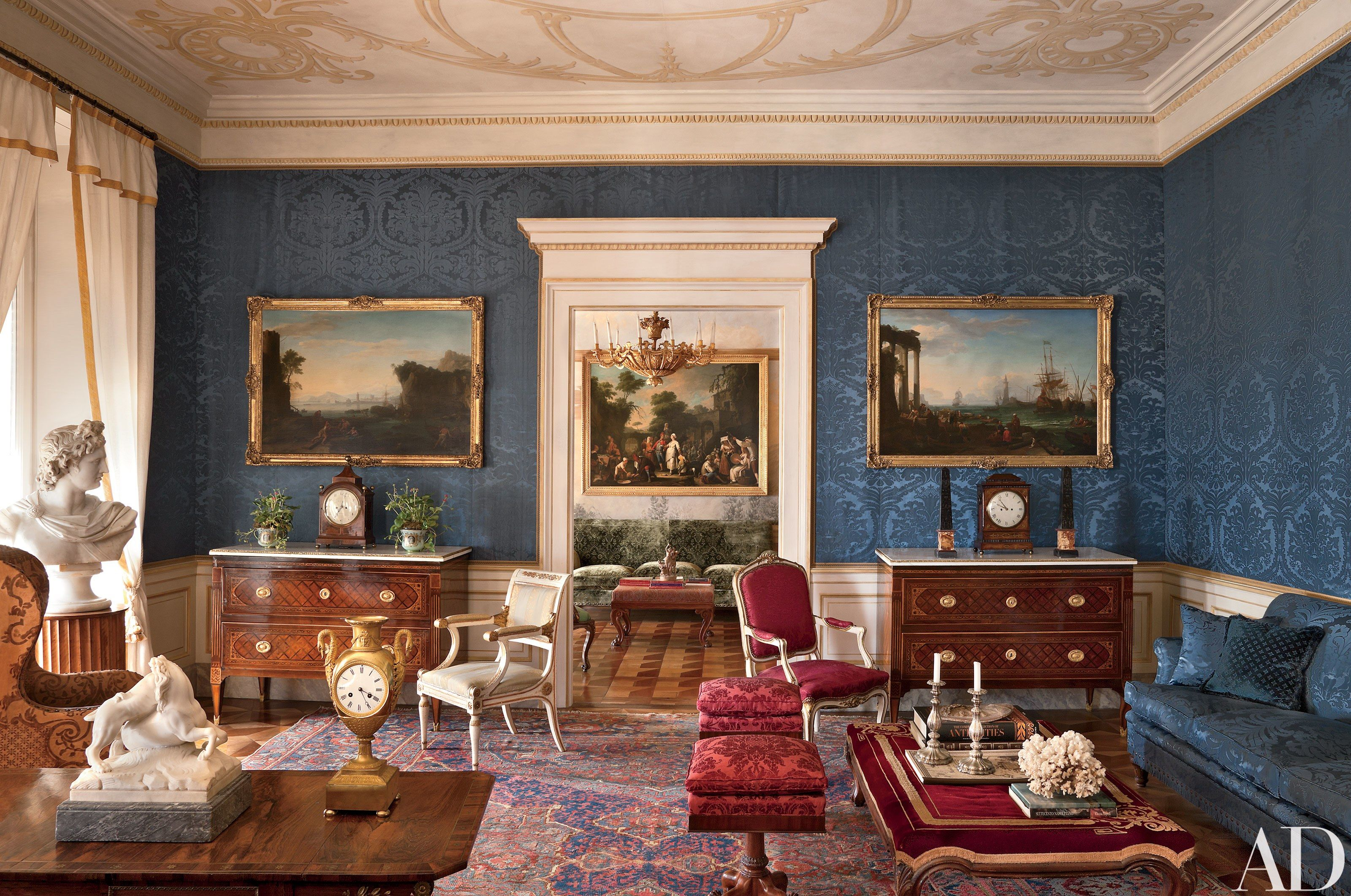 Look Inside a Luxurious Apartment in Naples