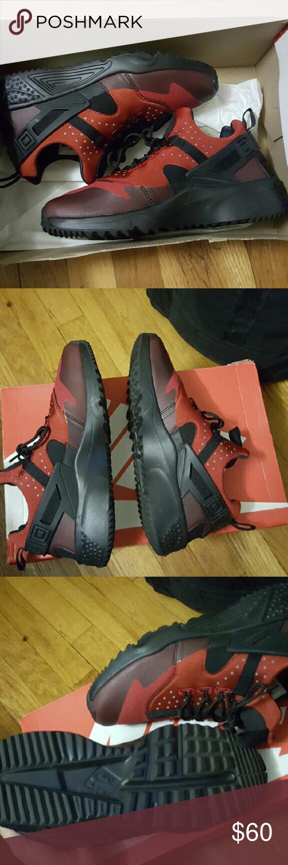 Nike huarache New in box Nike Shoes Sneakers