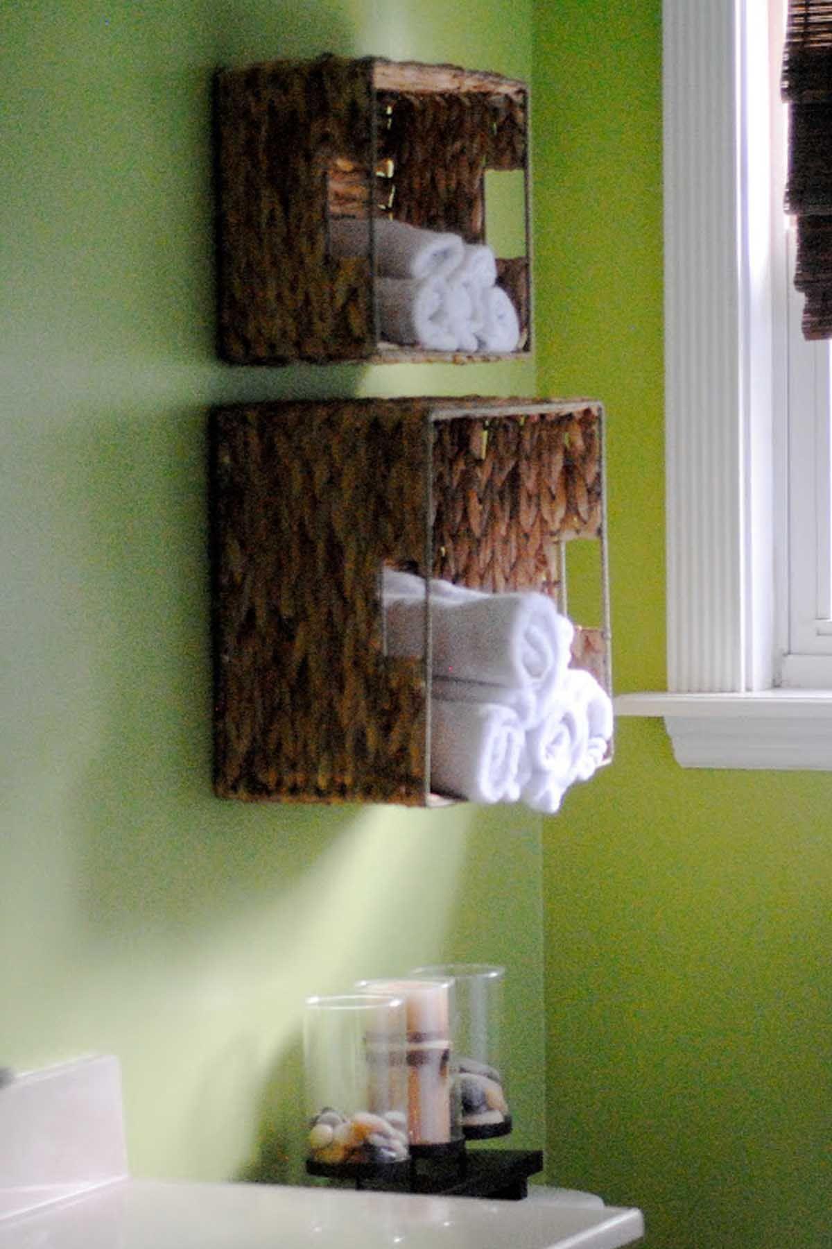 20 easy solutions for organizing a small bathroom  diy
